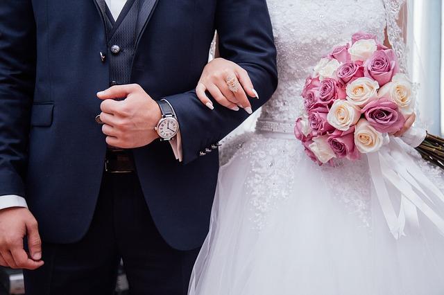 Costumes de mariage : modèles et combinaisons idéales